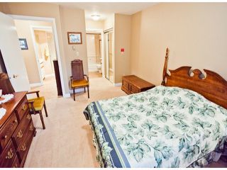 "Photo 6: 208 13965 16TH Avenue in Surrey: Sunnyside Park Surrey Condo for sale in ""WINDSOR HOUSE"" (South Surrey White Rock)  : MLS®# F1305282"