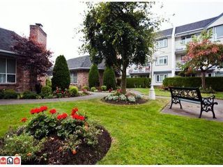 "Photo 8: 208 13965 16TH Avenue in Surrey: Sunnyside Park Surrey Condo for sale in ""WINDSOR HOUSE"" (South Surrey White Rock)  : MLS®# F1305282"