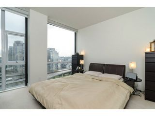 "Photo 9: 1503 1455 HOWE Street in Vancouver: Yaletown Condo for sale in ""POMARIA"" (Vancouver West)  : MLS®# V997869"