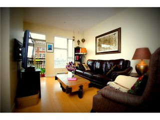 Photo 6: # 306 205 E 10TH AV in Vancouver: Mount Pleasant VE Condo for sale (Vancouver East)  : MLS®# V1029383