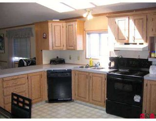 """Photo 3: 35 8254 134 ST in Surrey: Queen Mary Park Surrey Manufactured Home for sale in """"Westwood Estates"""" : MLS®# F2616657"""