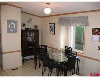 """Photo 5: 35 8254 134 ST in Surrey: Queen Mary Park Surrey Manufactured Home for sale in """"Westwood Estates"""" : MLS®# F2616657"""