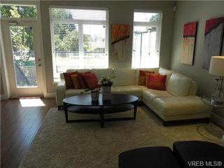 Photo 6: 1 2918 Shelbourne Street in VICTORIA: Vi Oaklands Townhouse for sale (Victoria)  : MLS®# 341018