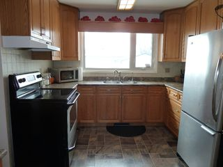 Photo 5: 330 Southall Drive in Winnipeg: Single Family Detached for sale : MLS®# 1604227