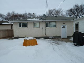 Photo 16: 330 Southall Drive in Winnipeg: Single Family Detached for sale : MLS®# 1604227