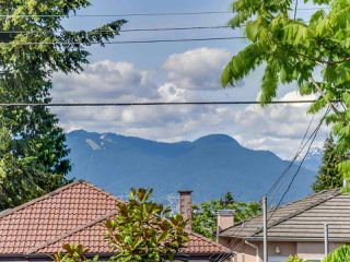 Photo 19: 1243 E 18TH AVENUE in Vancouver: Knight House for sale (Vancouver East)  : MLS®# R2075372