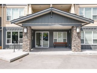 Main Photo: 401 2565 Campbell Avenue: Condo for sale (Abbotsford)  : MLS®# R2075391