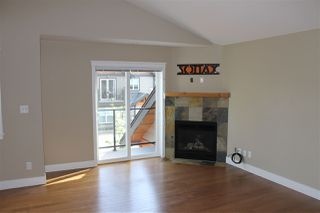 Photo 5: 207 518 SHAW ROAD in Gibsons: Gibsons & Area Townhouse for sale (Sunshine Coast)  : MLS®# R2053889