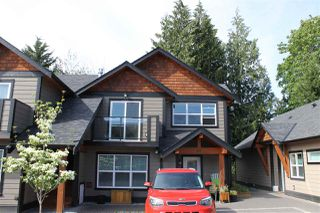 Photo 1: 207 518 SHAW ROAD in Gibsons: Gibsons & Area Townhouse for sale (Sunshine Coast)  : MLS®# R2053889