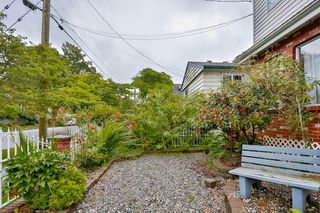 Photo 2: 906 E 30TH AVENUE in Vancouver: Fraser VE House for sale (Vancouver East)  : MLS®# R2087322