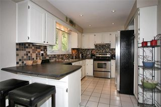 Photo 2: 2031 Shannon Dr in : 9999 - Out of Area FRH for sale (Oakville)  : MLS®# OM2006924