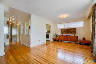 Photo 5: 11 Penetang Crescent in Toronto: Bendale House (Bungalow-Raised) for sale (Toronto E09)  : MLS®# E4517965