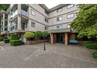 """Photo 18: 103 33090 GEORGE FERGUSON Way in Abbotsford: Central Abbotsford Condo for sale in """"Tiffany Place"""" : MLS®# R2394882"""
