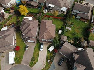 Photo 3: 8170 KUNIMOTO Court in Mission: Mission BC House for sale : MLS®# R2410251