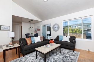 Photo 3: PACIFIC BEACH Condo for sale : 2 bedrooms : 1822 Chalcedony #3 in San Diego