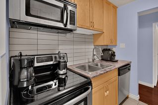 """Photo 9: 204 31 ELLIOT Street in New Westminster: Downtown NW Condo for sale in """"ROYAL ALBERT TOWERS"""" : MLS®# R2437165"""