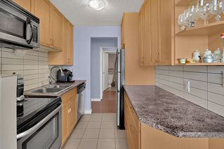 """Photo 8: 204 31 ELLIOT Street in New Westminster: Downtown NW Condo for sale in """"ROYAL ALBERT TOWERS"""" : MLS®# R2437165"""