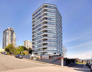 "Main Photo: 204 31 ELLIOT Street in New Westminster: Downtown NW Condo for sale in ""ROYAL ALBERT TOWERS"" : MLS®# R2437165"