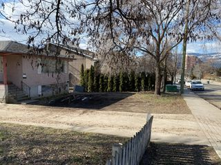 Photo 3: 1371 Bernard Avenue in Kelowna: House for sale : MLS®# 10200098