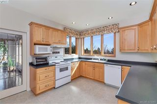 Photo 16: 1345 Readings Drive in NORTH SAANICH: NS Lands End Single Family Detached for sale (North Saanich)  : MLS®# 423283