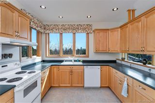 Photo 15: 1345 Readings Drive in NORTH SAANICH: NS Lands End Single Family Detached for sale (North Saanich)  : MLS®# 423283
