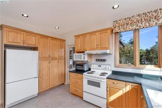 Photo 12: 1345 Readings Drive in NORTH SAANICH: NS Lands End Single Family Detached for sale (North Saanich)  : MLS®# 423283