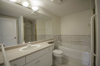"""Photo 12: 314 288 E 6TH Street in North Vancouver: Lower Lonsdale Condo for sale in """"McNair Park"""" : MLS®# R2445091"""