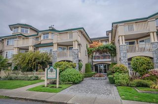 """Photo 1: 314 288 E 6TH Street in North Vancouver: Lower Lonsdale Condo for sale in """"McNair Park"""" : MLS®# R2445091"""