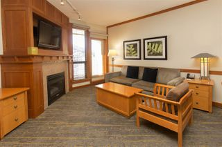 """Photo 13: 720 4320 SUNDIAL Crescent in Whistler: Whistler Village Condo for sale in """"PAN PACIFIC MOUNTAINSIDE"""" : MLS®# R2447615"""