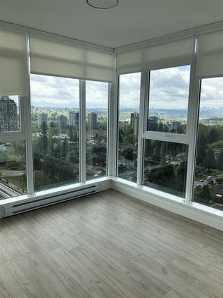 Photo 3: 1504 632 WHITING Way in Coquitlam: Coquitlam West Condo for sale : MLS®# R2457811