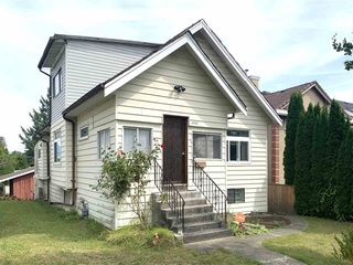 Photo 1: 2703 HORLEY Street in Vancouver: Collingwood VE House for sale (Vancouver East)  : MLS®# R2489452