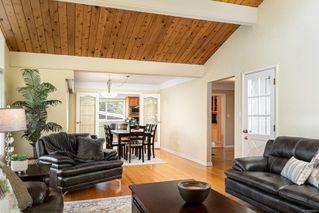 Photo 11: 2015 Pelly Pl in : OB Henderson House for sale (Oak Bay)  : MLS®# 856829