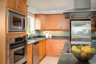 Photo 9: 2015 Pelly Pl in : OB Henderson House for sale (Oak Bay)  : MLS®# 856829
