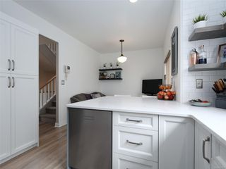 Photo 10: 2 341 Oswego St in : Vi James Bay Row/Townhouse for sale (Victoria)  : MLS®# 857804