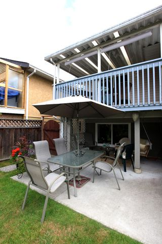 Photo 12: 6039 195A Street in Surrey: Cloverdale BC House for sale (Cloverdale)  : MLS®# F1221258