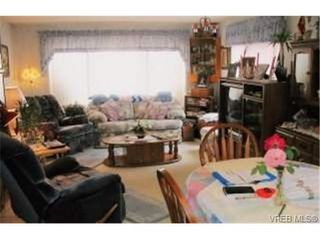 Photo 3: 22 1215 Craigflower Rd in VICTORIA: VR Glentana Manufactured Home for sale (View Royal)  : MLS®# 348195