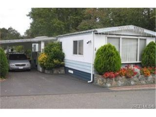 Photo 1: 22 1215 Craigflower Rd in VICTORIA: VR Glentana Manufactured Home for sale (View Royal)  : MLS®# 348195