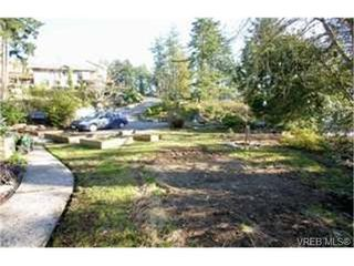 Photo 3:  in VICTORIA: La Florence Lake House for sale (Langford)  : MLS®# 459752