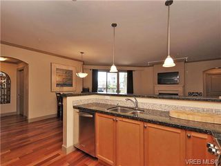 Photo 10: 210 1642 McKenzie Ave in VICTORIA: SE Lambrick Park Condo Apartment for sale (Saanich East)  : MLS®# 678037
