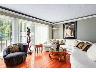 "Photo 4: 1163 HERITAGE Boulevard in North Vancouver: Seymour NV Townhouse for sale in ""HERITAGE IN THE WOODS"" : MLS®# V1080748"