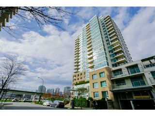 Photo 1: 212 125 Milross Ave in Vancouver: Mount Pleasant VE Condo for sale (Vancouver East)  : MLS®# v1111580