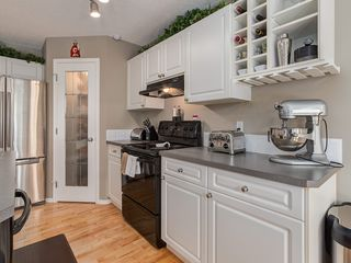 Photo 8: 87 Chapman Circle SE in Calgary: Chaparral House for sale : MLS®# C4064813