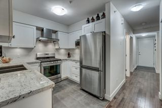 """Photo 10: 3170 PRINCE EDWARD Street in Vancouver: Mount Pleasant VE Townhouse for sale in """"SIXTEEN EAST"""" (Vancouver East)  : MLS®# R2404274"""