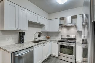 """Photo 12: 3170 PRINCE EDWARD Street in Vancouver: Mount Pleasant VE Townhouse for sale in """"SIXTEEN EAST"""" (Vancouver East)  : MLS®# R2404274"""