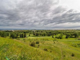 Photo 3: 35B MONCTON Road NE in Calgary: Winston Heights/Mountview Semi Detached for sale : MLS®# A1024659