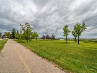 Photo 38: 35B MONCTON Road NE in Calgary: Winston Heights/Mountview Semi Detached for sale : MLS®# A1024659