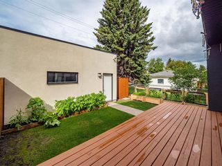 Photo 37: 35B MONCTON Road NE in Calgary: Winston Heights/Mountview Semi Detached for sale : MLS®# A1024659