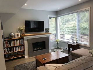 """Photo 4: 8 41488 BRENNAN Road in Squamish: Brackendale House 1/2 Duplex for sale in """"Rivendale"""" : MLS®# R2497726"""