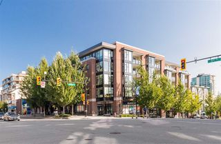 "Photo 2: 205 111 E 3RD Street in North Vancouver: Lower Lonsdale Condo for sale in ""VERSATILE"" : MLS®# R2510116"