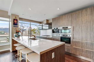 """Photo 7: 1401 1661 ONTARIO Street in Vancouver: False Creek Condo for sale in """"Millennium Water"""" (Vancouver West)  : MLS®# R2521704"""